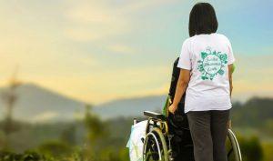 Altenpflege Gehalt und Ausbildung