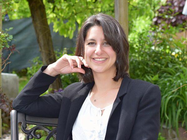 Jasmin C. Hof